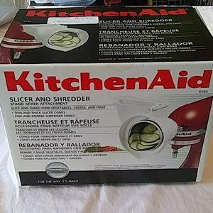KitchenAid mixer attachment slicer and shredder